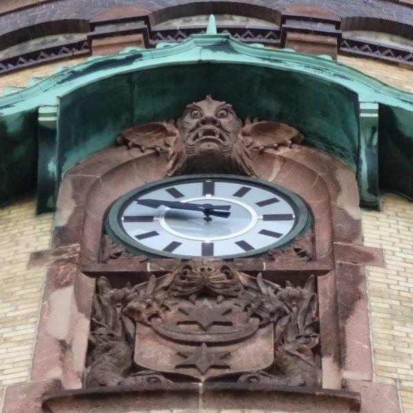 Uhr am Wasserturm Nord